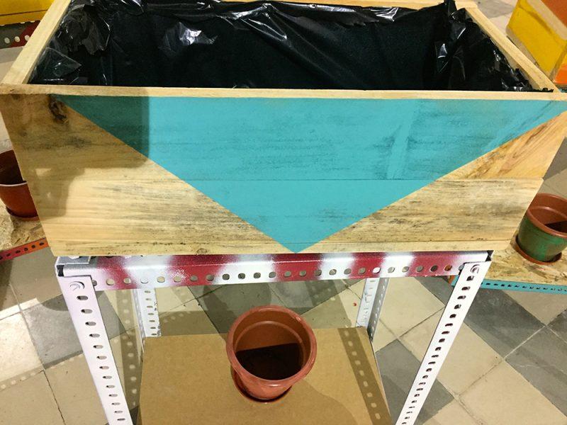 Construcción maceteros con materiales reciclados