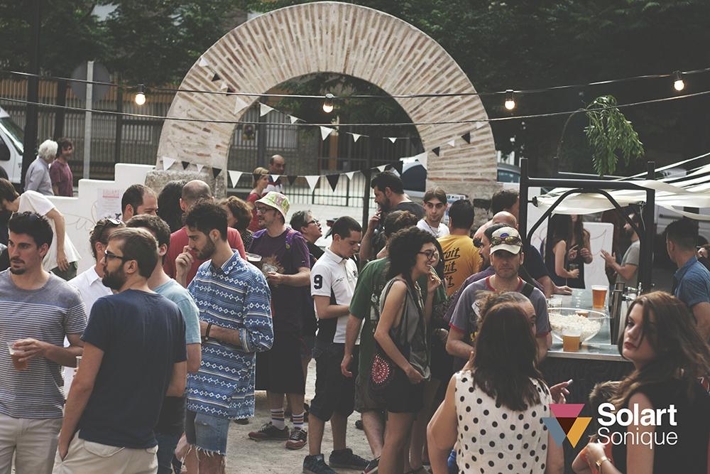 Microfestival de arte y música en vacíos urbanos. Arquitectura efímera con materiales reciclados