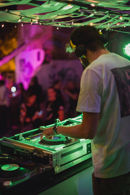 Festival de arte y música en vacíos urbanos
